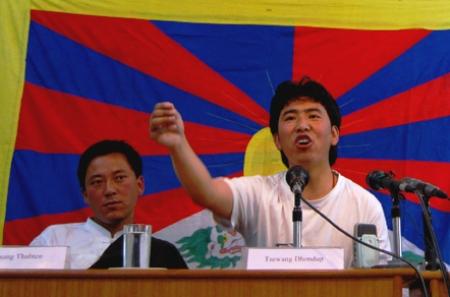 Lobsang Thupten (gauche) et son frère Tsewang